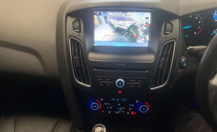 Ford Focus 1.0T EcoBoost Zetec (s/s) 5dr